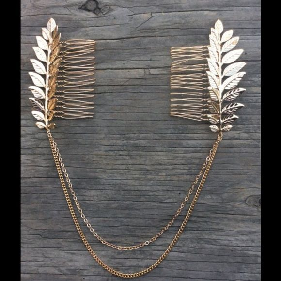 SALE- Hair Chain, Hair Comb, Bohemian Hair Chain Boho chic chains and leaves hair comb  Free spirited glamour  Chain hangs beautifully on loose waves or a high bun. Accessories Hair Accessories