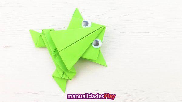 Como Hacer Una Rana De Papel Saltarina Facil Manualidades Play En 2020 Rana De Papel Sobres De Papel Origami Facil