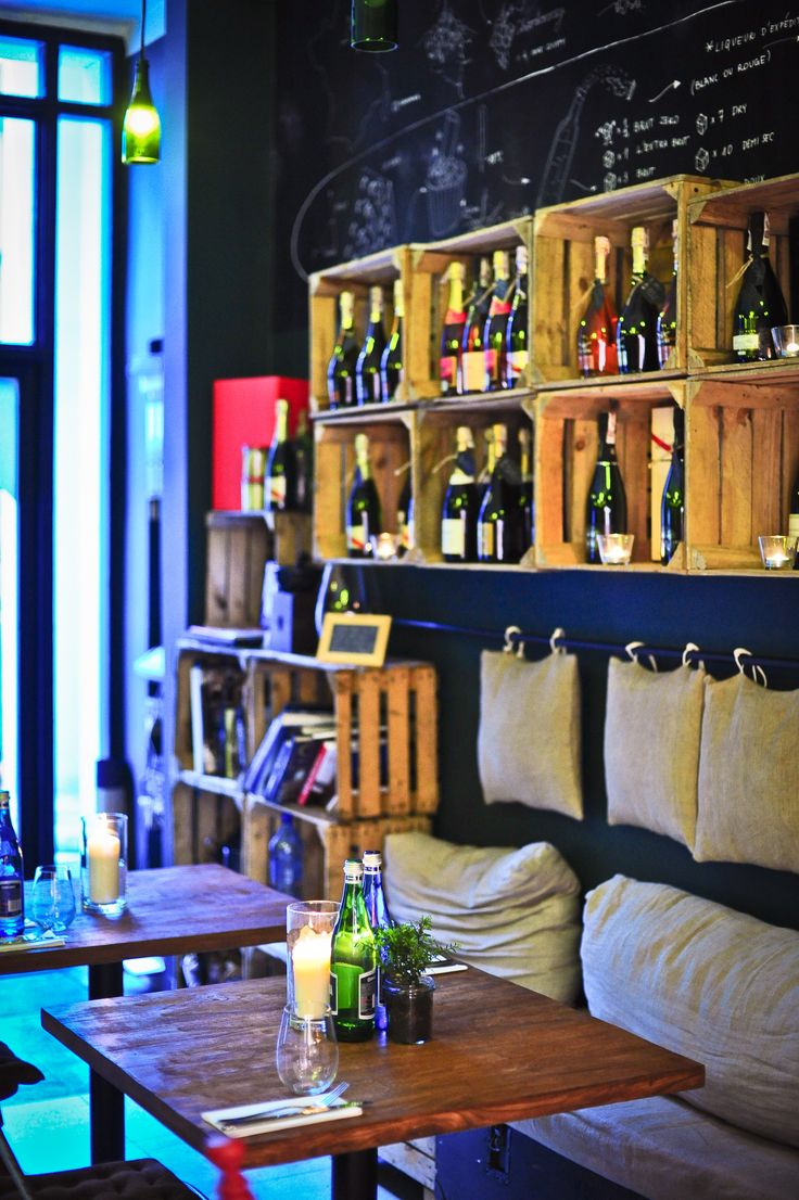Bubbles is the place where you can try champagnes and sparkling wines from all over the world.