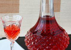 Рецепт Домашнее вино из вишни. Приготовление   блюда