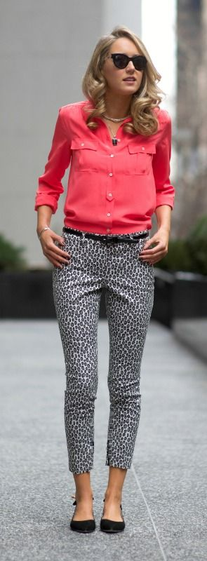 Coral + Black and white pattern pant or skirt...Like