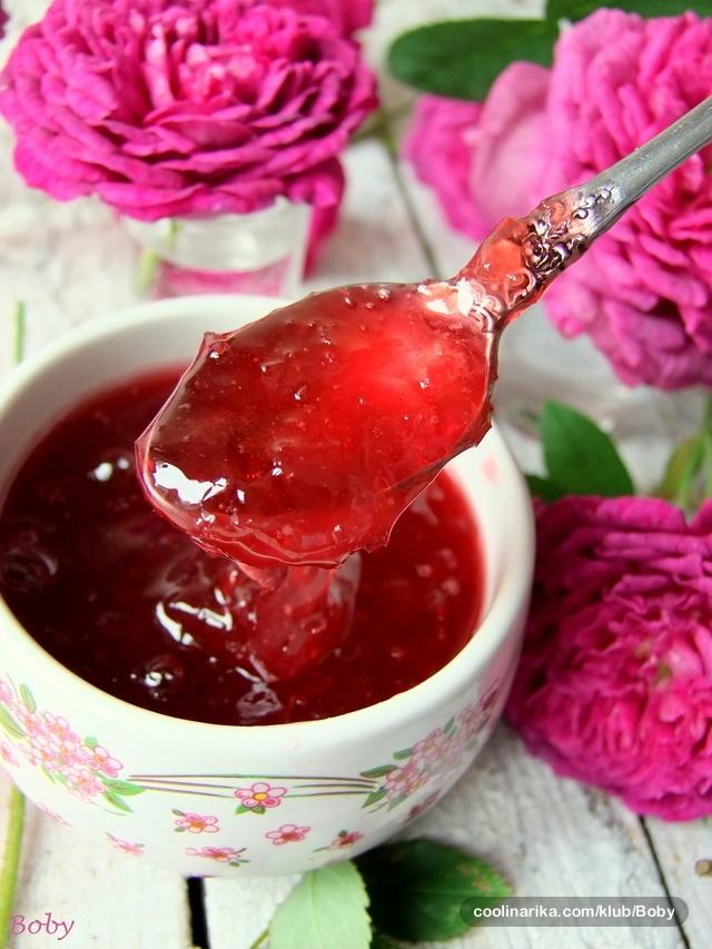 Dulbešećer - Bosnian rose petal jelly.