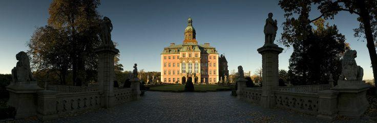 The front of the Książ Castle - fairy-tale-like ;)  fot. Kamil Cieliński #beautifulworld #castle #castles #travel #travelling
