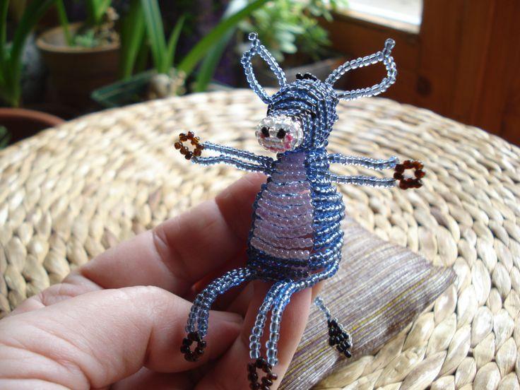 http://img1.etsystatic.com/035/0/7654300/il_570xN.535605989_o70t.jpg My lovely little donkey. Csacsi - gyöngycsacsi négyfelé fűzéssel.