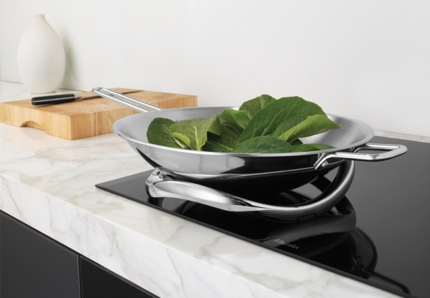 aeg electrolux e motion wok trivit for induction cooktops. Black Bedroom Furniture Sets. Home Design Ideas