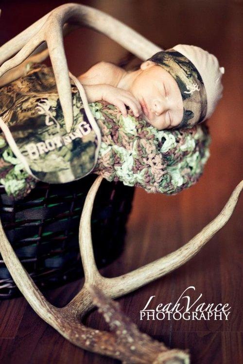 Ahh how cute! could use her pink john deere blanket! (Isabella Aufencamp) @Amanda Stuckemeyer-Ackley