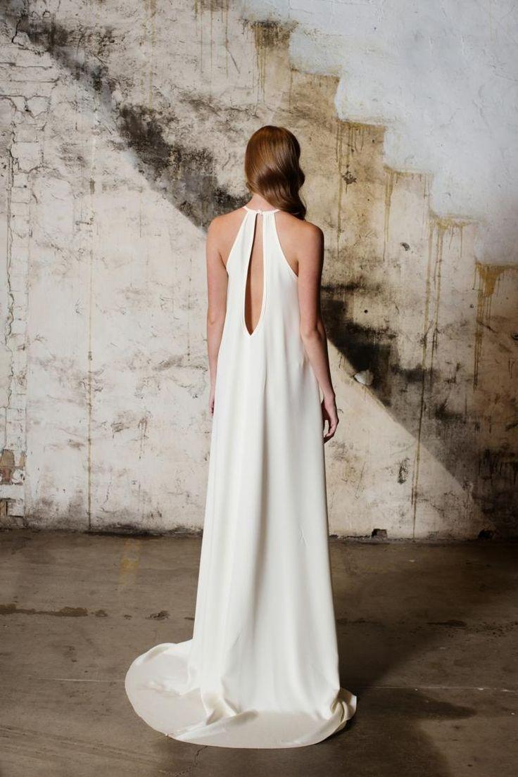 robe de mariée dos trou de serrure, coupe droite en satin
