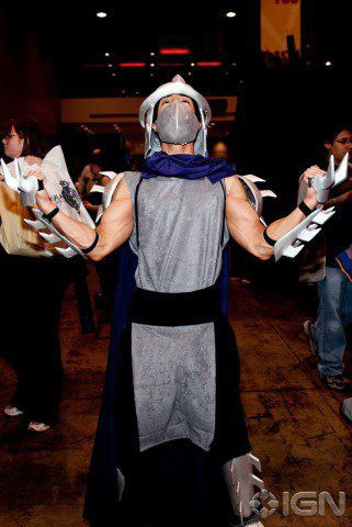 "How to make a Teenage Mutant Ninja Turtles ""Shredder"" costume - Just make sure it's shiny ;)"