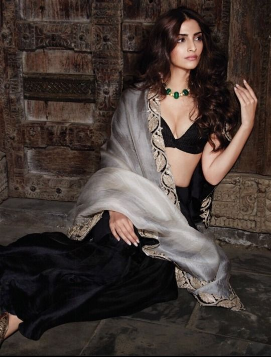 Sonam Kapoor Www.topmoviesclub.com Visit our website and download Hollywood, bollywood and Pakistani movies and music plus lots more.