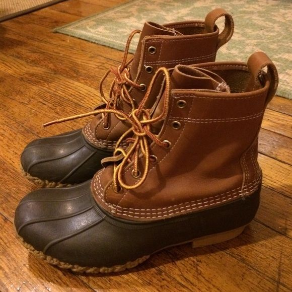 L.L.Bean duck boots Great used condition! Perfectly broken in for you and ready to go! Size down in Bean duck boots (so these would be good for someone who wears a size 9 street shoe, or maybe 8.5 with thick wool socks!). L.L. Bean Shoes Winter & Rain Boots