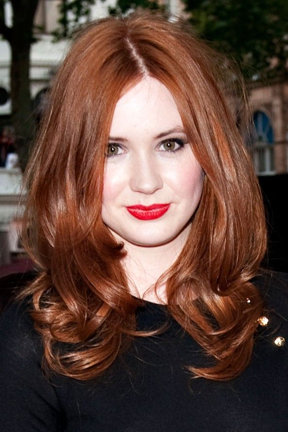 I'm a little obsessed with Karen Gillan's hair color.