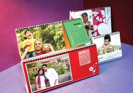 Take your best photos and put them on a photo calendar. Pick from our ready-to-use themes and personalise them.    Create fun designs using single or multiple photos with our itasveer doodlepad.  Pick from 6 cool wall and desk calendar styles and beautiful design templates.