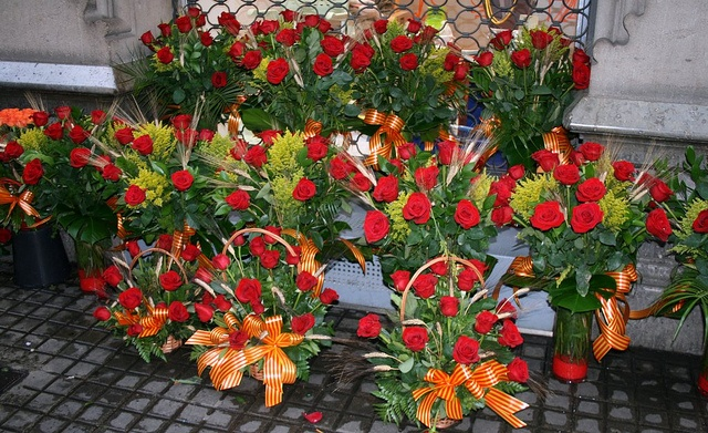 #Sant Jordi bouquets in #Barcelona  www.bcninternet.com