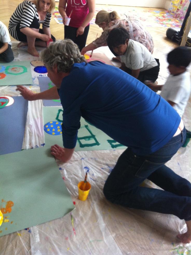 Hervé Tullet helps schoolchildren at Archway Methodist Church