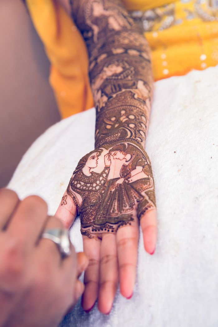 Mehandi - The Royal Bridal Mehandi! Photos, Hindu Culture, Black Color, Bridal Mehandi, Arabic Mehandi, Candid Clicks pictures, images, vendor credits - Kundan Mehandi Art, Dipak Colour Lab Pvt Ltd, Mahima Bhatia Photography, Asiana Couture, Jasmeet Kapany Hair and Makeup, WeddingPlz