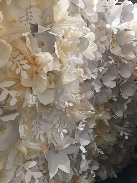 Classic paperflower wall by Edinas paper festivities