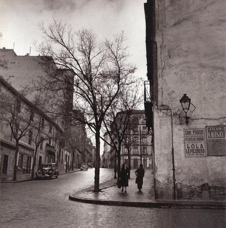 Calle de Embajadores.Años 50.