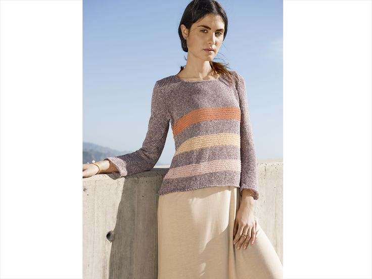 """Auch immer Sommer kann es nützlich sein, einen mollig-warmen Pullover zur Hand zu haben. Die sanfte Töne des Strickpullovers erinnern an die Farben des Sonnenuntergangs. Das Seidenglanz-Garn (""""Secondo"""" von Lana Grossa) setzt zusätzlich optische Akzente."""