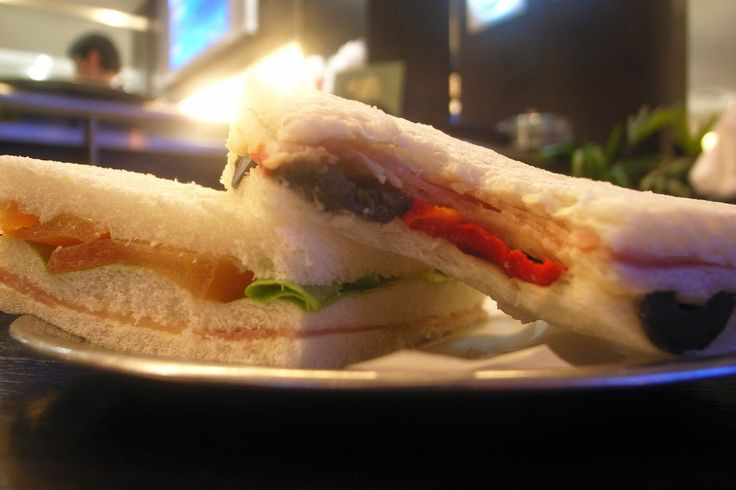 ¡¡Desde Tiendadetés os dejamos con unas deliciosas recetas para acompañar el té!! ¡¡En nuestro Blog las podéis ir viendo!! ¡¡Hoy una sencilla receta de riquísimos emparedados ideales!! http://tienda-de-tes.blogspot.com.es/2015/06/recetas-para-acompanar-el-te.html #Recetas #RecetasTé #Sandwich #Sandwiches #Tea #TeaTime #Emparedados #Merienda #AcompañamientoTé #Infusiones #Relax