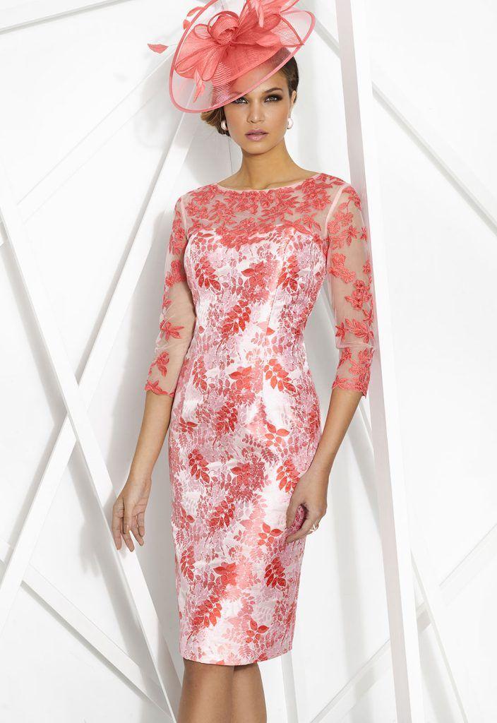 Donna 7798 Vestido de fiesta corto realizado en jacquard y tul con encaje bordado. Escote ilusión y manga francesa