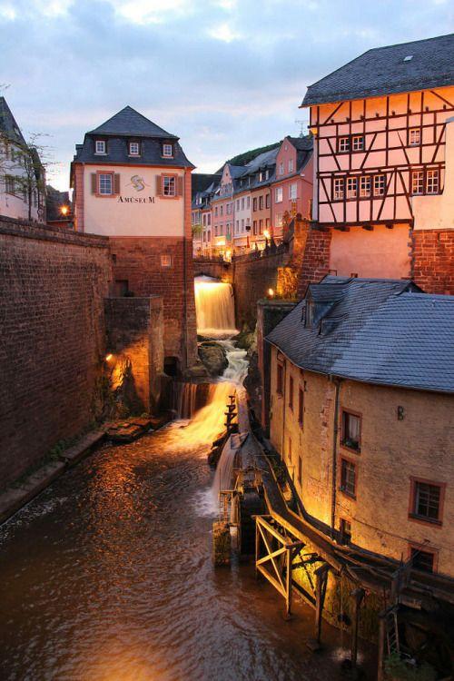Saarburg (Rheinland-Pfalz). Den richtigen Reisebegleiter findet ihr bei uns: https://www.profibag.de/reisegepaeck/                                                                                                                                                                                 Mehr