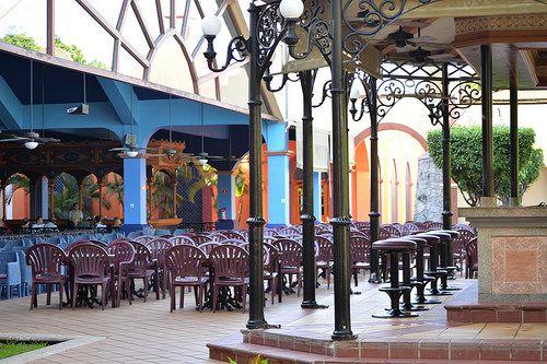 Kiosco/courtyard bar