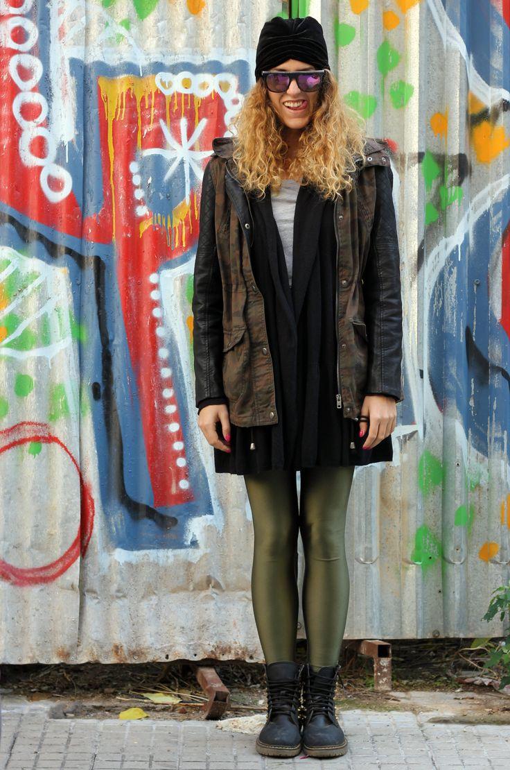 Daphne wearing the olive PCP leggings #pcpclothing #pcpleggings