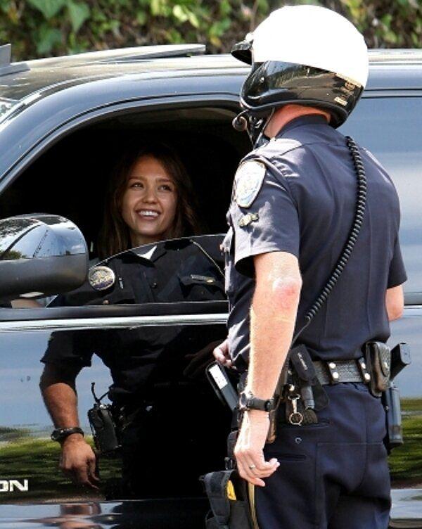 Femme Nu Insolite insolite femme police reflet voiture | humor | pinterest | funny