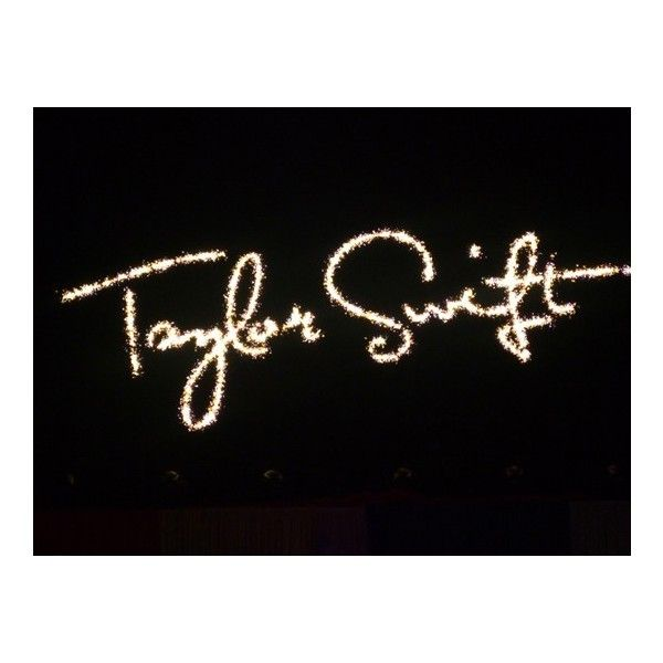 Foto concerto Taylor Swift Mediolanum Forum Assago, Milano. 15 Marzo... ❤ liked on Polyvore featuring taylor swift, words, text, taylor and backgrounds