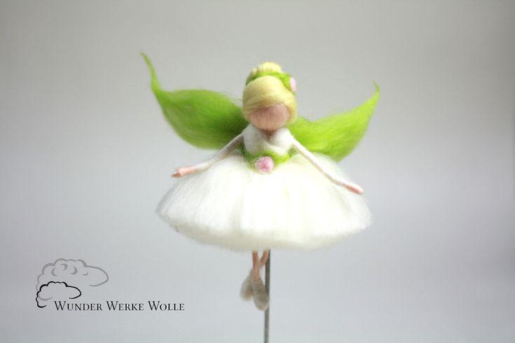 Fee+aus+Märchenwolle+-+Ballerina+-+Elfe+von+WUNDER-WERKE-WOLLE+auf+DaWanda.com