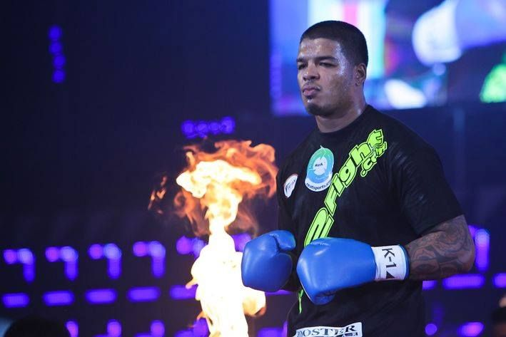 Tyrone Spong defeats Juan Carlos Salas by KO in the first round at the boxing PPV event Brave Warriors in Action on May 27, 2017 in Mexico.