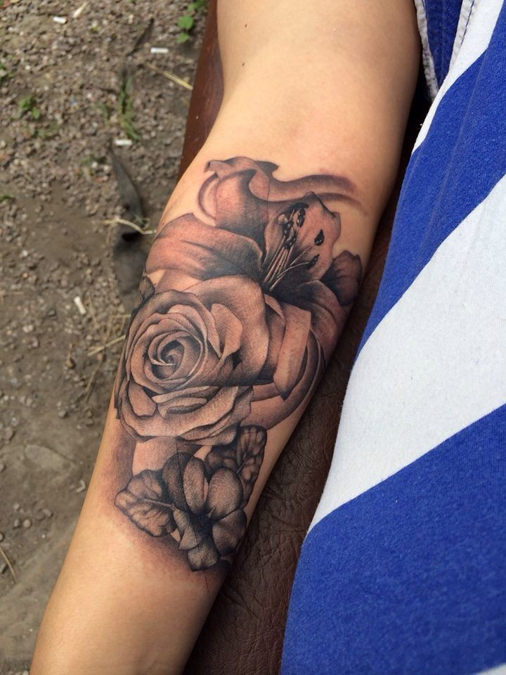 My tattoo!!! A realistic beautiful shading shadow black white rose violet and lily forearm tattoo :D xx