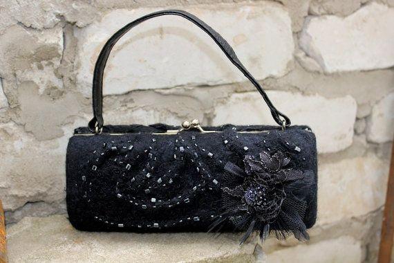 Чёрная валяная вечерняя сумка Аделаида 100 шерсть от FeltZeppelin, €100.00