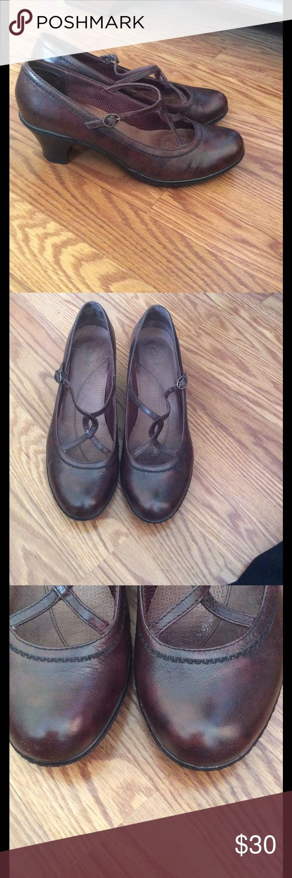 Clark shoes In very good condition, and very comfortable Clarks Shoes