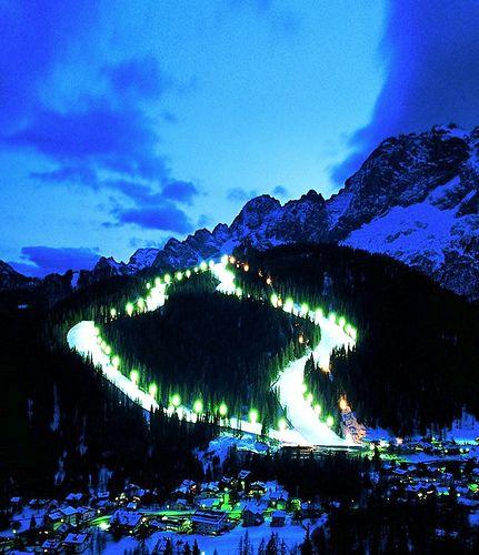 Zoldo Alto (Ski Civetta) - Enjoy the thrill of night skiing! WHITE EMOTIONS - ZOLDO ITALY WHOLE WINTER SEASON FROM ONLY € 500 PRICE PER APARTMENT BILO 5 PAX PER 7 NIGHTS STAY TO ENJOY WHITE EMOTIONS IN ZOLDO BOOKING:http://www.go4ski.com/en/book_hot_deal.