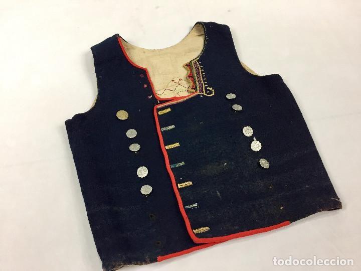 Antigüedades: Armilla antigua con botones antiguos - Foto 8 - 63618855