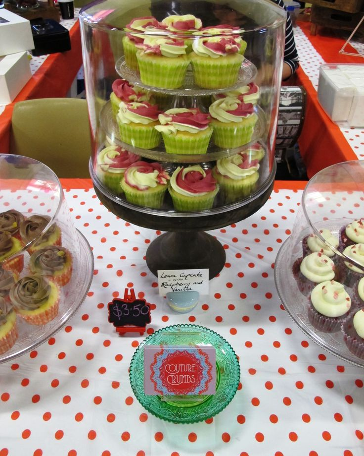 Setting up at a Market Stall...some of our Vanilla & Raspberry, Jaffa & Red Velvet Cupcakes on show #CoutureCrumbs