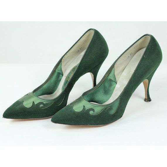 Vintage 50's shoes / Emerald green shoes / by CarlaAndCarla