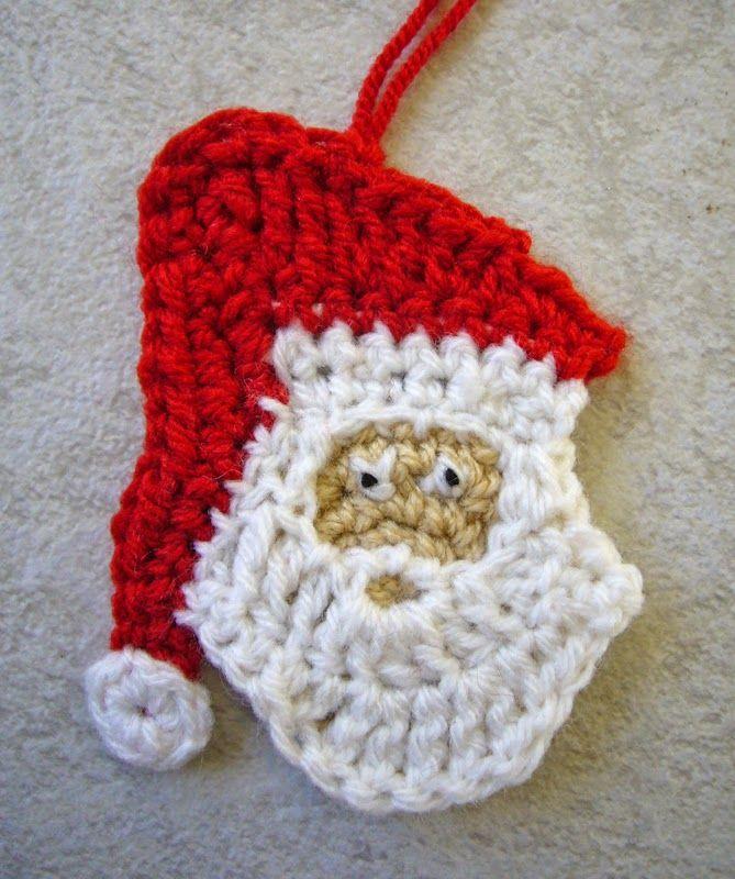 Haakpatroon Kerstman  Voor deze kerstman kun je 3 kleuren nemen: voor het hoofd (beige of rose), de muts (rood en wit) en baard (wit). Maar...