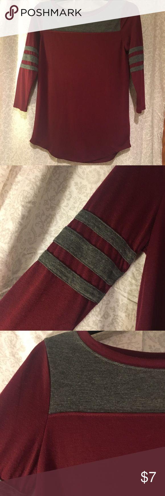 Varsity Baseball Raglan So soft, definitely got my use out of this! I love the sleeves so much. Arizona Jean Company Tops Tees - Long Sleeve