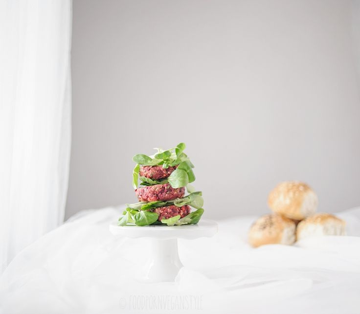 BAKED BEET BURGERS WITH MILLET, SUNFLOWER & SESAME SEEDS