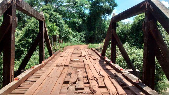 Ponte, paisagem de interior, Mato Grosso do Sul http://aquioualgumlugar.com/2014/01/16/as-atracoes-de-um-lugar-voce-e-quem-faz/