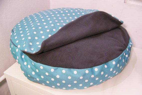 Cat/small dog snuggle bed DEN N.