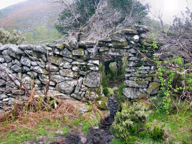 Portugal Norte - As cazarotas da Serra Amarela é o nome atribuído a um antigo…