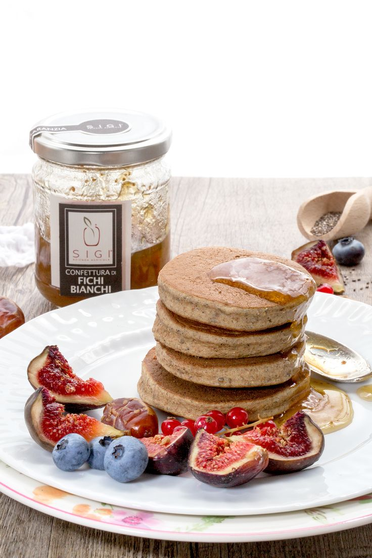 pancakes grano saraceno e fichi senza glutine sani a basso indice glicemico | Delicious #vegan glutenfree buckwheat pancakes with figs // #healthy, low fat, high in fibers and proteins