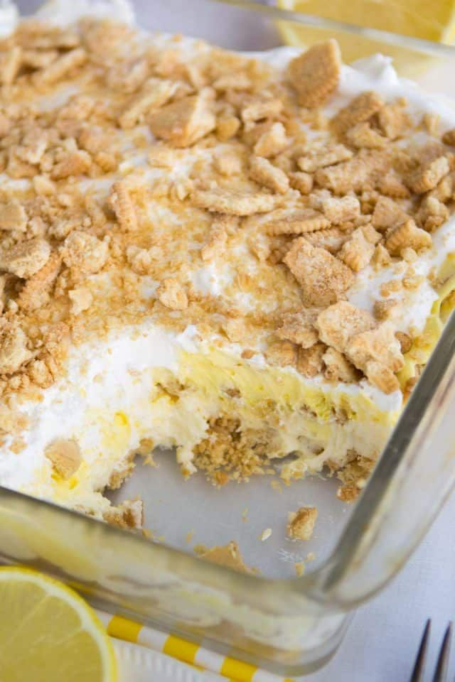No Bake Lemon Dessert Lasagna has a Golden Oreo crust and is full of lemon flavor from pudding and curd. It\'s the BEST EVER lemon dessert recipe!