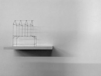 John Van Oers, Multiple van gesoldeerde ijzerdraad:  'House on table', 1/7