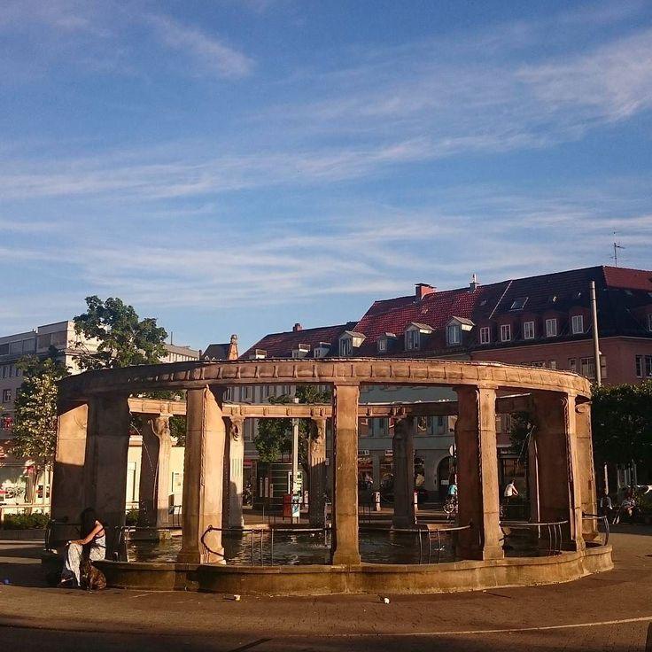 Sonnenschein und blauer Himmel so macht der Feierabend in #Karlsruhe doch gleich doppelt Spaß!   Genießt das schöne Wetter! #visitkarlsruhe