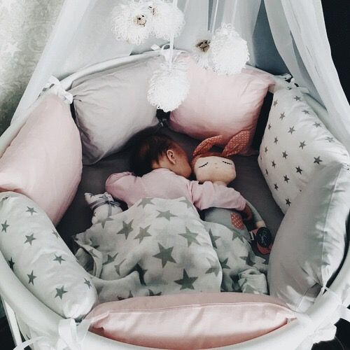 I think it's extremely pretty but only bc my daughter has double the amount of crib bumpers necessary for a regular child of her age. She's already doing handstands and flips!