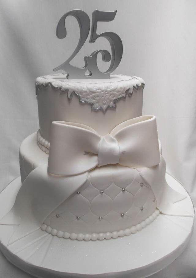 un pastel precioso aniversario de bodas 25 años